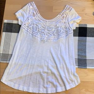 White Express high-low short sleeve top size S